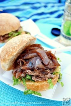 32. #Pulled Pork & Red Wine Caramelized #Onion Sandwich - 47 #Ideas for Picnic Food That Are Easy to Make and #Delicious to Eat ... → Food #Successful
