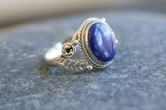 This is a beautiful ethnic 925 Sterling Silver Ring with natural lapis lazuli stone. Metal - 92.5 Sterling Silver