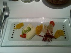 Tatare of pickled zander with an apple fennel jam and a cucumber mousse @ Restaurant Dressler