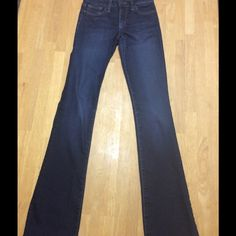 "Joe Honey Fit Jeans NWOT Joe Honey Fit  Bootcut Jeans Rue wash, super flattering, Incredible fit with the perfect amount of fading to be dressed up or down. Rise 8"" Inseam 34. Willing to consider any reasonable offer. Joe's Jeans Jeans Boot Cut"