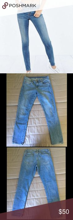 BDG Twig Mid Rise Jeans BDG Twig Mid Rise jean. Lightly worn but still in great condition!! No tears, stains, damage, etc BDG Jeans Skinny