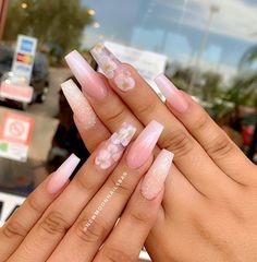 In search for some nail designs and some ideas for your nails? Here's our listing of must-try coffin acrylic nails for trendy women. Acrylic Nails Coffin Short, Summer Acrylic Nails, Best Acrylic Nails, Acrylic Nail Designs, Pink Nail Designs, Nagellack Design, Nagellack Trends, Encapsulated Nails, Acylic Nails