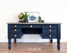 Desk Redo, Desk Makeover, Furniture Makeover, Diy Furniture, Furniture Refinishing, Office Furniture, Antique Furniture, Chalk Paint Desk, Blue Chalk Paint