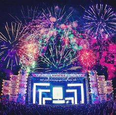 Electric Daisy Carnival 2012 | Puerto Rico #edm #insomniacevents #perfection