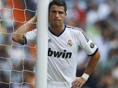 El Real Madrid no puede con el Valencia y empata en el estreno liguero en el Bernabéu