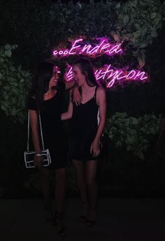 Trying to be cute with my best friend at the beautycon after party in Hollywood  my pic!  Instagram: hannah_meloche Pinterest: hannahmeloche