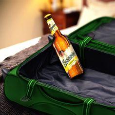 Lasst uns spielen: Ich packe meinen Koffer und nehme mit: ein #Wernesgrüner Radler! Jetzt ihr….!