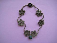 crochet little flowers necklace