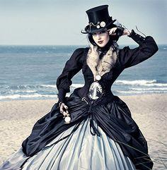steamPunk: mucho más que una simple moda  el steamPunk es tanto: género artístico como constructo social; homenaje al vapor como a la época victoriana; ciencia ficción como fantasía. En definitiva, es una ameba ávida por absorber nuevas obras de arte...