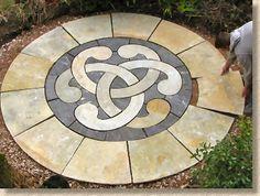 Pavingexpert - Installing a decorative circular patio feature