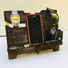 Dock station phone stand Charging station iPhone 6 Desk organizer Night stand iPhone 7 iPhone 8 Key holders PERSONALIZED gift for cool guys Diy Nightstand, Diy Desk, Diy Storage Bench Seat, Diy Shoe Rack, Desk Organization Diy, Wooden Organizer, Diy Furniture Redo, Iphone Holder, Wooden Desk