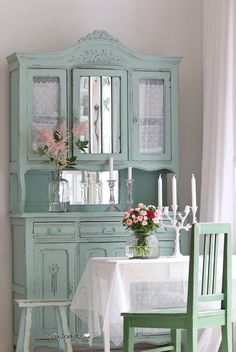 Prodigious Cool Tips: Shabby Chic Bathroom Sink shabby chic bedroom rustic.Shabby Chic Wall Decor Families shabby chic home romantic.Shabby Chic Farmhouse Tips. Armoire Shabby Chic, Muebles Shabby Chic, Shabby Chic Mode, Shabby Chic Farmhouse, Shabby Chic Living Room, Shabby Chic Interiors, Shabby Chic Bedrooms, Shabby Chic Cottage, Vintage Shabby Chic
