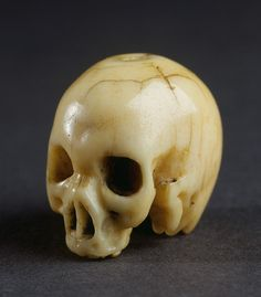 Finch & Co - An Italian Carved Ivory Rosary Bead in the form of a 'memento…