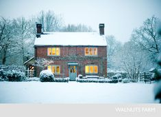 Walnuts Farm – Nick & Bella – the rustic shoot location house Cottage Farmhouse, Cottage Style, Rustic Farmhouse, Beautiful Buildings, Beautiful Homes, Beautiful Farm, English Country Cottages, Winter Scenery, English House