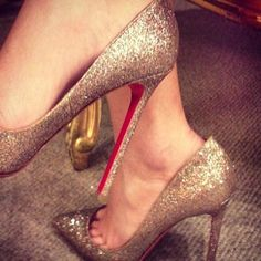 #LouboutinWorld #Pigallels10