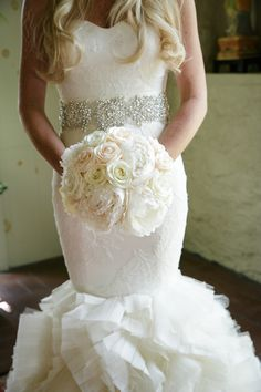 White Rose & Peony Bouquet | Photography: Karlisch Studio. Read More: http://www.insideweddings.com/weddings/southern-chic-wedding-in-oklahoma-with-performance-by-boyz-ii-men/697/