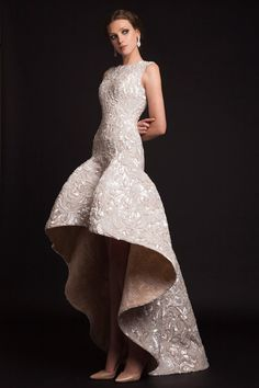 Get ready to pick your jaws up off the floor. This next collection by Lebanese couture designer, Krikor Jabotian, is fit for a queen. Gorgeous structural draping, luxurious fabrics, and extravagant… Couture Mode, Couture Fashion, Couture 2015, Couture Style, Couture Wedding Gowns, Bridal Gowns, Wedding Dresses, Drop Waist Wedding Dress, Evening Dresses
