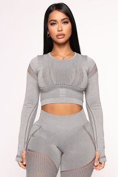 Block Me Active Top In Infinity Seamless - Heather Grey – Fashion Nova Grey Fashion, Womens Fashion, Sports Crop Tops, Doll Wardrobe, Sexy Wife, Athletic Wear, Hottest Models, Heather Grey, Active Wear