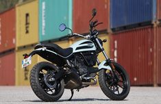 Ducati Scrambler 400 right side Scrambler Sixty2, Super 4, Vroom Vroom, Fast Cars, Motorcycles, Bike, Digital, Street, Motorbikes