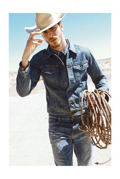 Gui Fedrizzi for Guess Jeans F/W 13 / casual menswear style / denim on denim Cowboy Outfit For Men, Cowboy Outfits, Cute Country Boys, Country Men, Fantasias Country, Guess Jeans, Denim On Denim, Rockstar Denim, Jacey Elthalion