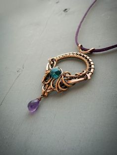 Wire copper pendant Throne of the Queen - wire jewelry