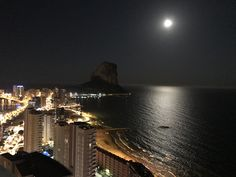 Stunning View Over Calpe From The New Suitopia Hotel Sky bar. Stuff To Do, Things To Do, Sky Bar, Moraira, Sandy Beaches, Stunning View, Outdoor Life, Where To Go, Day Trips