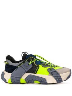 Valentino for Men - Designer Clothing, Shoes & Accessories - Farfetch Kicks Shoes, Valentino Garavani, Sports Shoes, Casual Pants, Footwear, Mens Fashion, Men Clothes, Sneakers, Blue