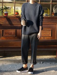 # Casual Outfits with flats minimal chic Photo (Death by Elocution) Looks Street Style, Looks Style, Style Me, Trendy Style, Mode Outfits, Casual Outfits, Fashion Outfits, Womens Fashion, Fashion Clothes