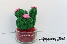 Coucou ! Aujourd'hui je vous présente un cactus au crochet réalisé dans le cadre du Défis du Chat, lancé par Pas @ pas de Chat. Un défis simple avec un thème donné tous les 3 mois pour réalis…