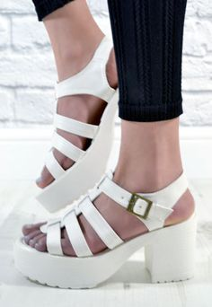 Ladies Cut Out Chunky Grip Heel Shoes Sandals in WHITE
