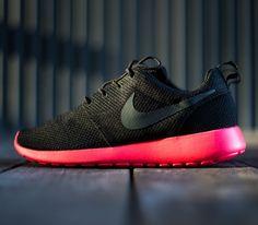Nike Roshe Run – Back / Siren Red