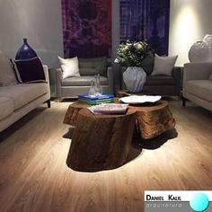 Projeto: Daniel Kalil Arquitetura e Karinna  Buchalla Interiores  O que chama a atenção neste projeto residencial é a mescla de objetos modernos e sofisticados que se misturam com peças rústicas como a mesa de centro feita com o tronco de uma árvore. Mistura inteligente que deu certo. Muito elegante!   #SalaDeEstar #DecoraçãoResidenciall #DanielKalilArquitetura #Sofisticado #Mistura #Rústico #Revestimentos #ProjetoOriginal #DesigndeInteriores #Criatividade #PersonalizandoAmbientes #Efeitos…