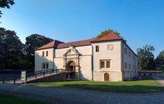 In diesem beeindruckenden Schloss und Festungsanlage in Senftenberg entdecken Kinder, welche Geheimgänge ins Schloss führten und vieles mehr.