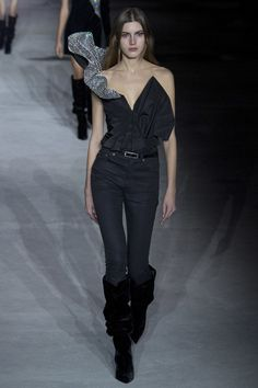 Saint Laurent Fall 2017 Ready-to-Wear Fashion Show Collection