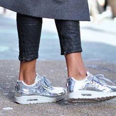 Nike air max silver gold