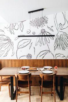 Custom Hand-Painted Wallpaper Brand She She—Kate Worum and Jennifer Jorgensen Hand Painted Wallpaper, Painting Wallpaper, Mural Painting, Of Wallpaper, Designer Wallpaper, Modern Interior, Interior Design, Green Palette, Traditional Design