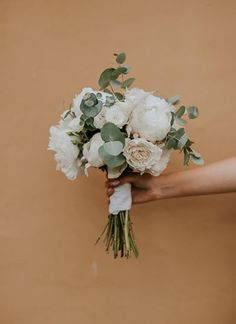 Artificial flowers flower garlands florist supplies uk this creative couple took a totally natural approach to their diy wedding full blush and grey junglespirit Images
