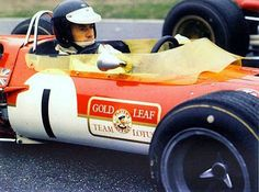 Jim Clark before the start of the F2 race in Hockeheim. That fateful day