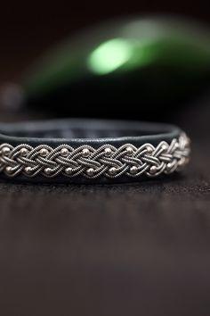 Wire Wrapped Jewelry, Wire Jewelry, Jewelry Crafts, Braided Bracelets, Leather Craft, Celtic, Jewelry Making, Bangles, Swarovski