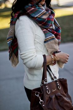 Like Christmas. #Plaid #Scarf #Sweater #Bag #Bracelets #Grown #Up #Grunge