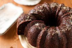 La ricetta della torta alle noci e cioccolato di Benedetta Parodi, semplice e veloce