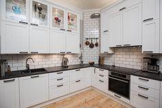 Puustelli kök / keittiö / kitchen by Thomas Berglund
