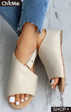 Peep Toe Cutout Flat Slider Sandals Fashion Shoes, Fashion Outfits, Hype Shoes, Womens Fashion Online, Pattern Fashion, Gossip, Amazing Women, Heeled Mules, Peep Toe