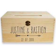 Urne en bois personnalisable  flèche Dear Future Husband, Wedding Boxes, Wooden Boxes, Bamboo Cutting Board, Photo Booth, Toy Chest, Party Time, Decorative Boxes, Handmade Gifts