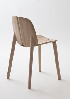 Osso chair  2011 Chair collection  Solid oak, maple, or ash wood Chair:  450 x 500 x 750 mm/   Mattiazzi