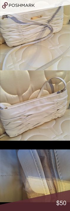 Michael kors ivory ruffled purse very nice Michael kors ivory ruffled purse very nice Michael Kors Bags Shoulder Bags