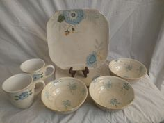 Vintage Floral Pfaltzgraff 7 Pieces 2 Dinner Plates 3 Soup/Cereal Bowls 2 Mugs #Pfaltzgraff