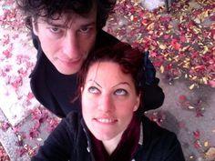 Neil Gaiman / Amanda Palmer. Such a cute couple.