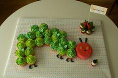 Cupcakes Take The Cake: Caterpillar cupcake party train cake Cupcake Party, Fun Cupcakes, Vegan Cupcakes, Hungry Caterpillar Cupcakes, Very Hungry Caterpillar, Caterpillar Book, Cake Land, Gateaux Cake, Chenille