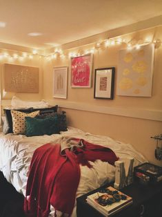 Pretty dorm room! Don't forget to get a student discount on dorm decor at Studentrate.
